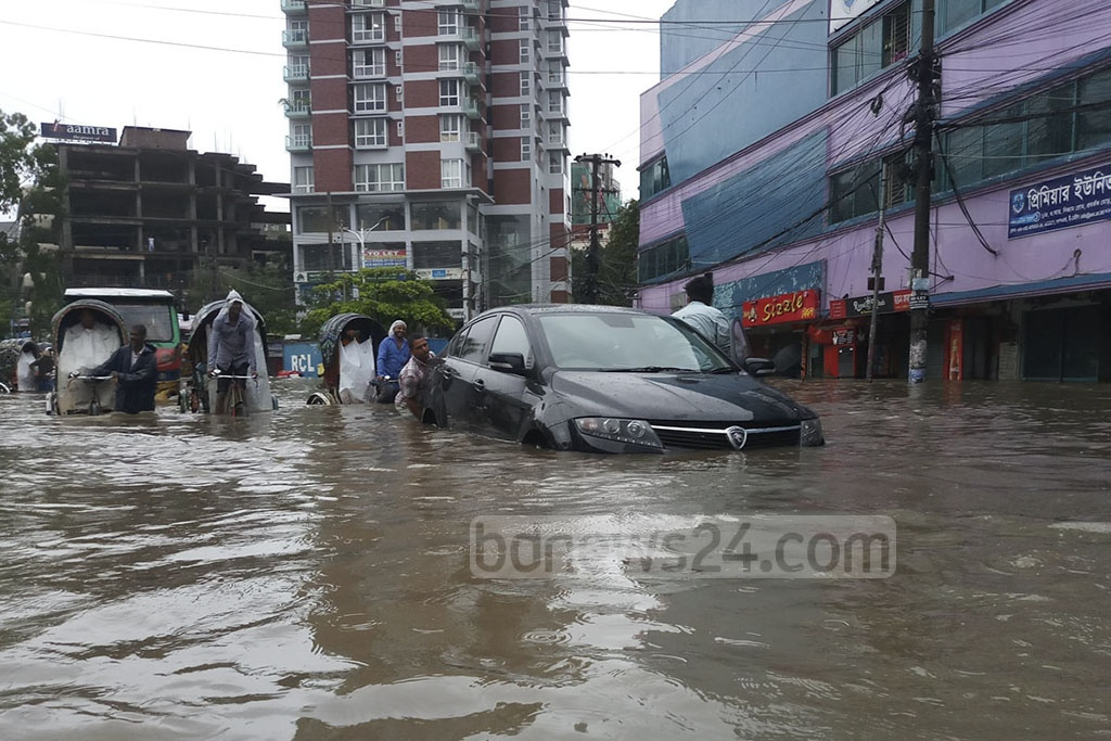 Many parts in Chattogram city, including No.2 gate, went under water as monsoon blowing over Bangladesh induced heavy rains on Monday. Photo: Suman Babu