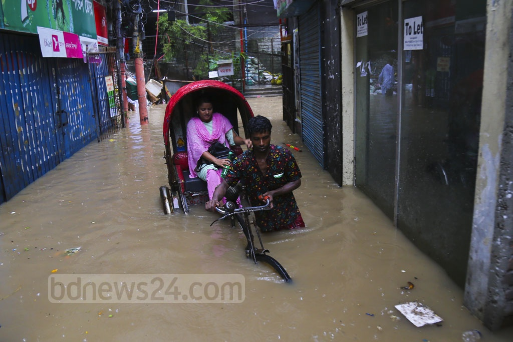 West Tejturi at Farmgate in Dhaka went under water after several hours of incessant rain on Friday. Photo: Mahmud Zaman Ovi