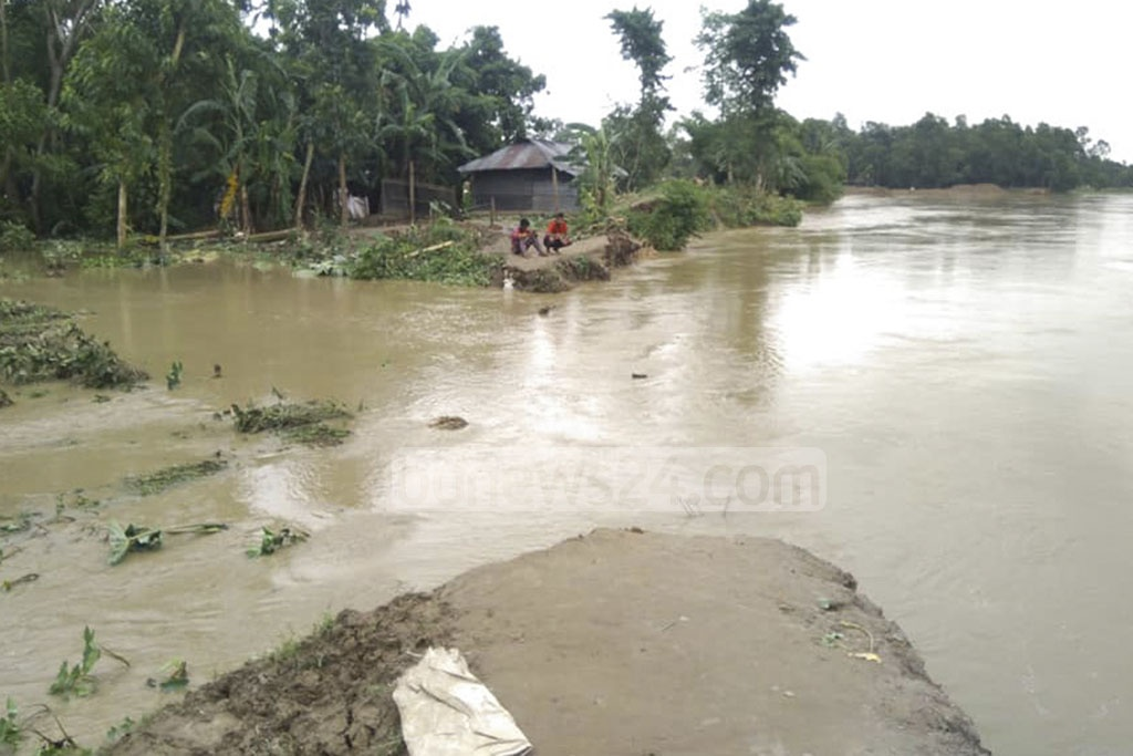 Several parts in Moulvibazar's Kamalganj Upazila are affected by flash flood as dams on the Dholai river were breached at different points in Rampasa area.