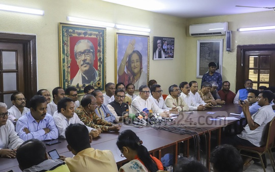 Awami League General Secretary Obaidul Quader speaks to the media over Priya Saha's controversial remarks to US President Donald Trump at the party's headquarters in Dhanmondi on Saturday. Photo: Asif Mahmud Ove