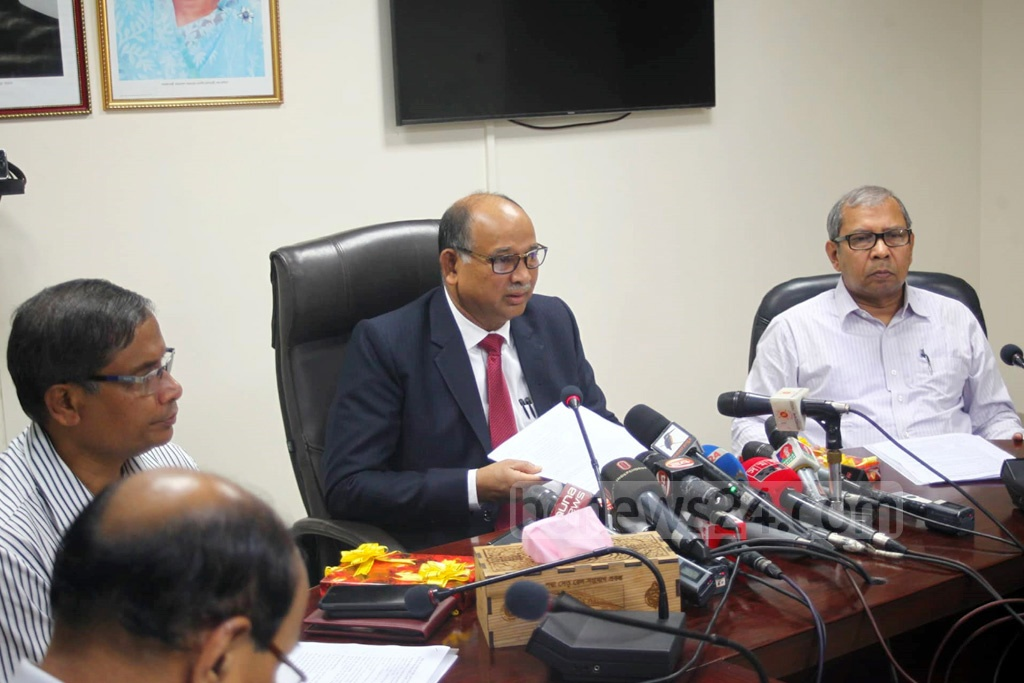 Railways Minister Md Nurul Islam Sujan briefs the media on advance train tickets for Eid-ul-Azha holidaymakers in Dhaka on Tuesday.