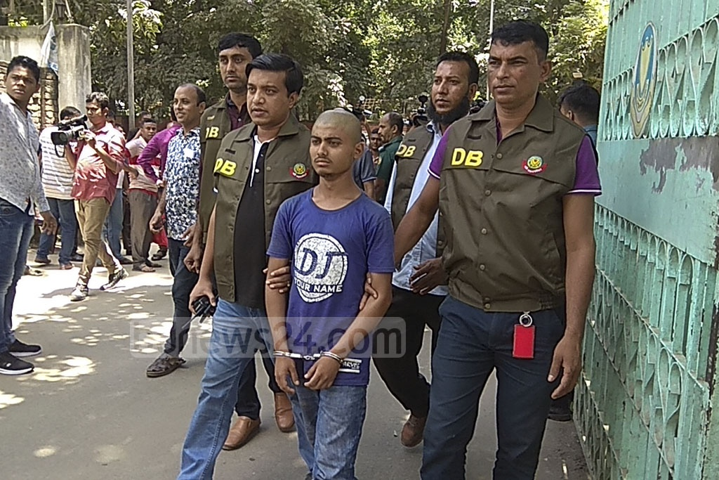 Hridoy, who was identified as key suspect over the lynching of a mother in Dhaka's Badda, was taken to the DB police office after his arrest on Wednesday.