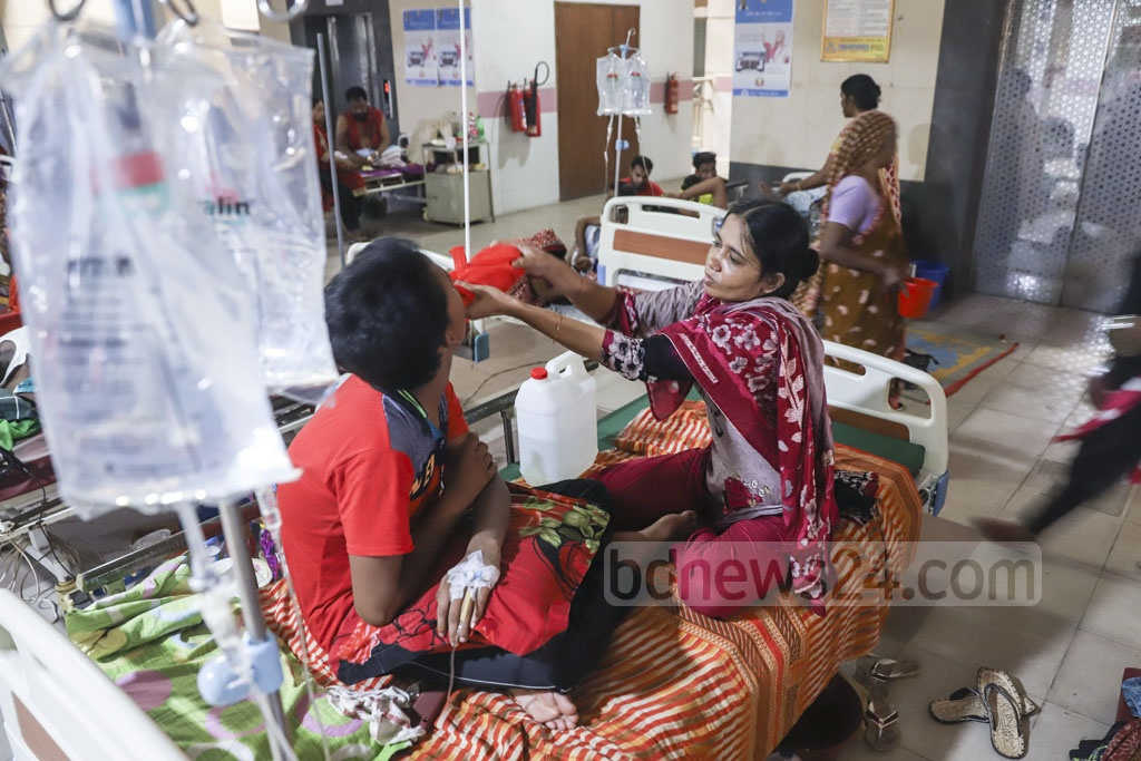 Most of the patients receiving treatment in this ward of Mugda General Hospital in Dhaka have been diagnosed with dengue amid an outbreak of the mosquito-borne disease. Photo: Abdullah Al Momin