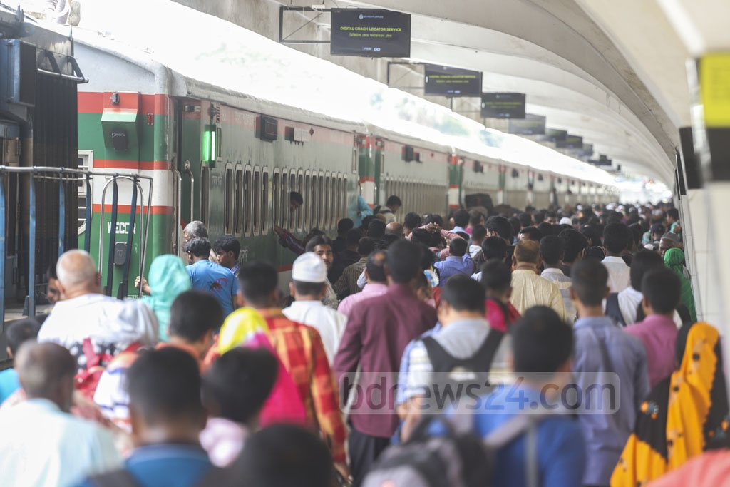 A snap of the crowded Kamalapur Railway Station on the first day of Eid journeys on Wednesday. Photo: Abdullah Al Momin