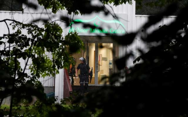 One injured after man in body armour opens fire at Norway mosque