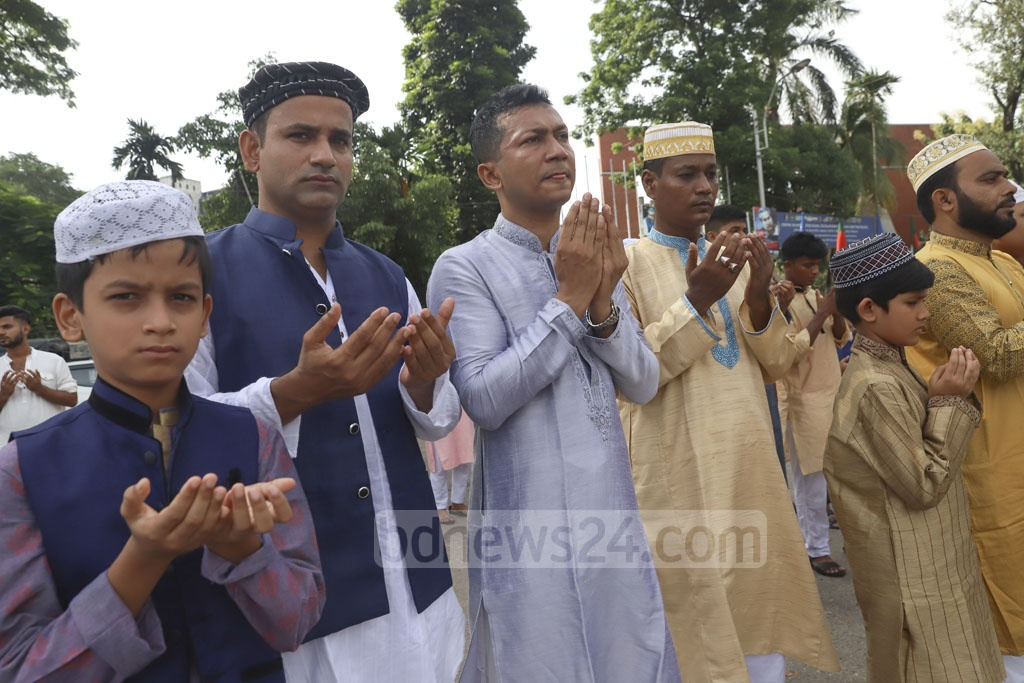 Muslims offering prayers seeking peace and prosperity of Bangladesh during the main Eid-ul-Azha congregation of the country at the National Eidgah ground in Dhaka on Monday. Photo: Abdullah Al Momin