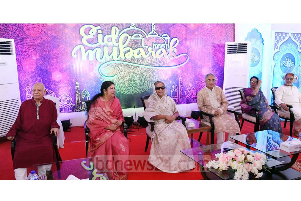 Prime Minister Sheikh Hasina hosted an event at the Ganabhaban in Dhaka on Monday to exchange greetings on Eid-ul-Azha. Photo: PID