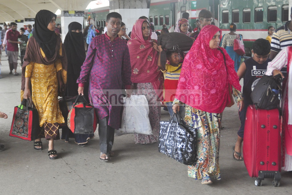 Trains from the north are arriving in Dhaka behind schedule on Friday, raising the sufferings of the passengers who are returning to Dhaka after Eid-ul-Azha holidays.