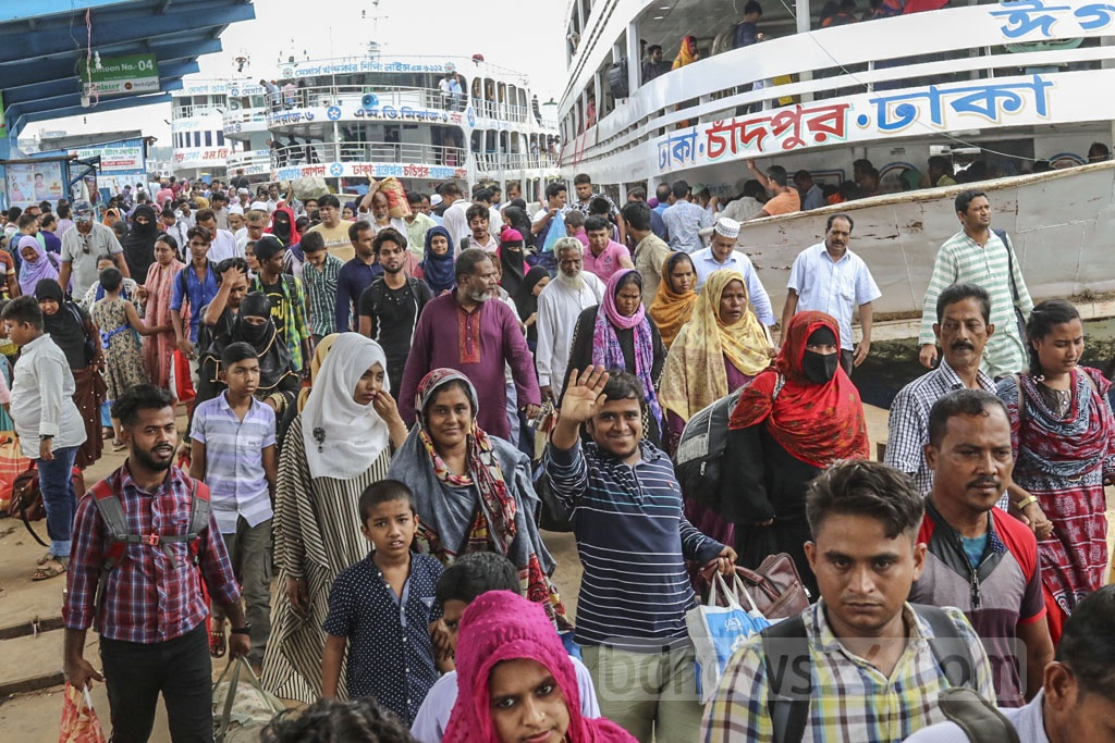 All the launches that arrived in Dhaka from the southern districts on Friday were packed with passengers who had left the city to celebrate Eid-ul-Azha with their families and relatives.