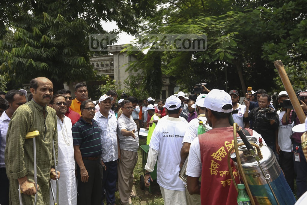 DNCC Mayor Atiqul Islam takes part in an event to launch a campaign to annihilate Aedes larvae. Photo: Mahmud Zaman Ovi