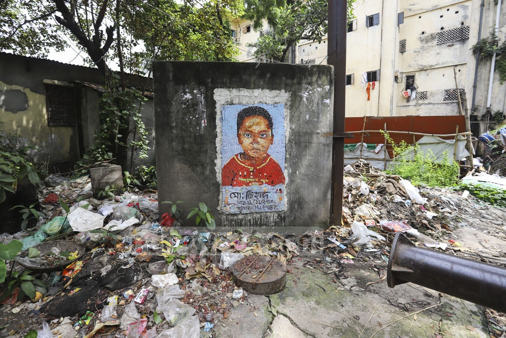 A monument erected in memory of a minor named Jihad, who died after falling into an abandoned water pump on Dec 26, 2014. Photo: Asif Mahmud Ove