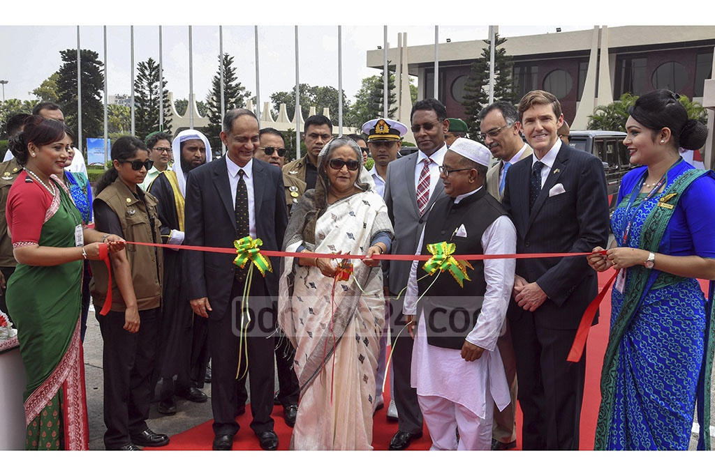 Prime Minister Sheikh Hasina inaugurates the latest addition to Biman Bangladesh Airlines' fleet, the Boeing 787-8 Dreamliner, 'Gaangchil', at the Hazrat Shahjalal International Airport on Thursday. Photo: PID