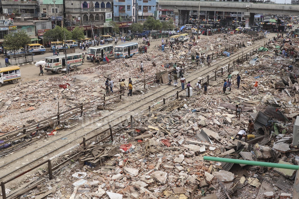 A view of the Dhaka-Narayanganj tracks in the capital's Jurain Railgate area on Wednesday after the authorities demolished markets that were set up illegally by encroaching on Bangladesh Railway land on Monday. Photo: Abdullah Al Momin