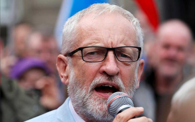 Britain's opposition Labour Party leader Jeremy Corbyn speaks during an anti-Brexit demonstration at George Square in Glasgow, Scotland, Britain, Aug 31, 2019. REUTERS