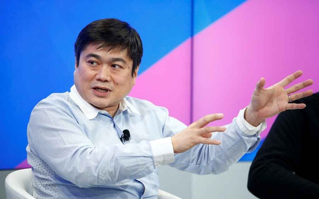 FILE PHOTO - Joichi Ito, Director of the Media Lab of the Massachusetts Institute of Technology (MIT) attends the annual meeting of the World Economic Forum (WEF) in Davos, Switzerland, Jan 17, 2017. REUTERS
