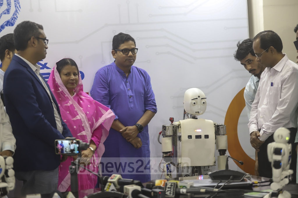 Robot 'Lee', manufactured by students of the Shahjalal University of Science and Technology, at the Digital Device and Innovation Expo 2019 in Dhaka's Karwan Bazar on Friday. Photo: Abdullah Al Momin