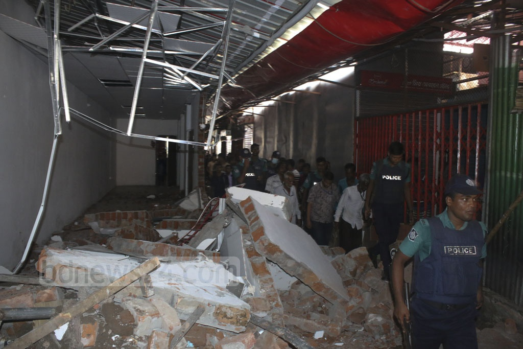 Dhaka North City Corporation conducted an eviction drive against illegal structures in Gulshan DNCC Market area on Wednesday.