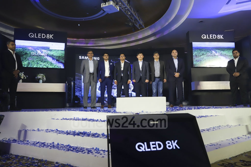 Samsung launched its QLED 8K TV in Bangladesh at a Dhaka hotel on Saturday. The tech giant says the artificially intelligent TV can upscale low-quality picture into 8K resolution. Photo: Abdullah Al Momin