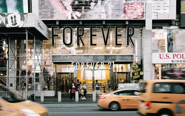 Forever 21's Times Square location in New York, Sept. 28, 2019. Forever 21, the California retailer that helped popularise fast fashion in the United States said it plans to file for bankruptcy and will close up to 182 stores in the United States and up to 350 over all. (Haruka Sakaguchi/The New York Times)