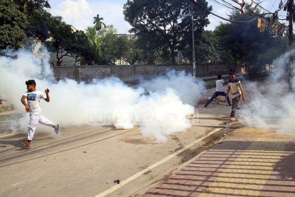 Disgruntled residents of the Stranded Pakistanis' Relief Camp, popularly known as Geneva Camp, clashed with police amid protests over constant power outage at the camp on Saturday.