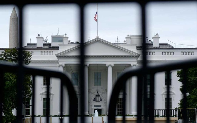 The White House is seen through a metal gate in Washington, US, Oct 6, 2019. REUTERS/