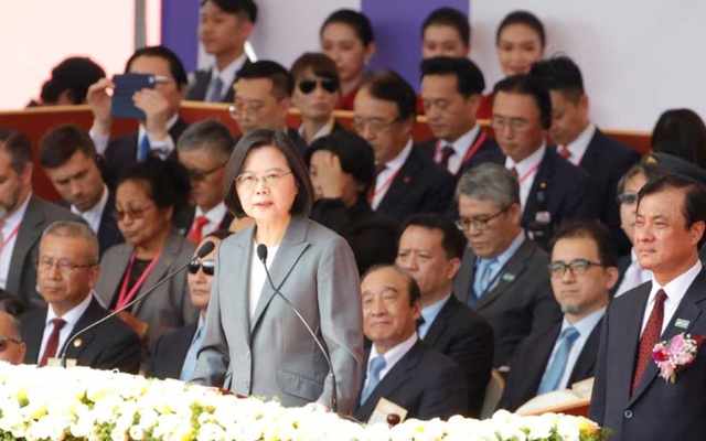 Taiwan's President Tsai Ing-wen gives a speech during Taiwan's National Day in Taipei, Taiwan, October 10, 2019. REUTERS