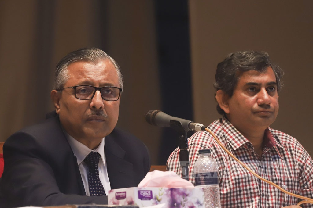 BUET Vice-Chancellor Professor Saiful Islam speaking at a meeting with students, who have been protesting for five days against the murder of their peer Abrar Fahad, at the auditorium on Friday. Photo: Abdullah Al Momin