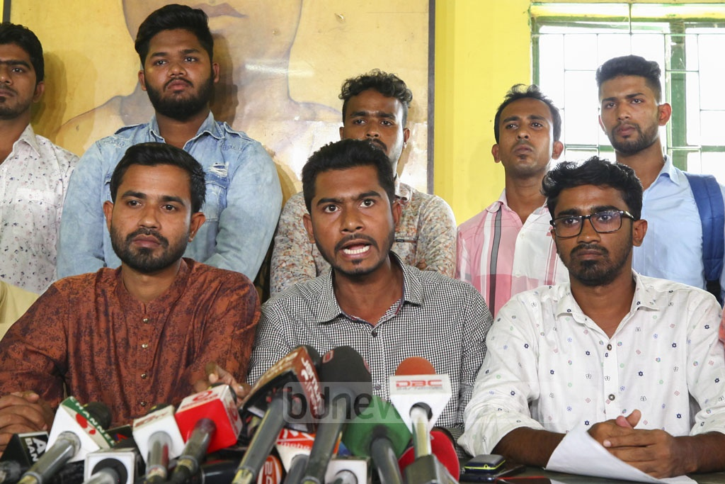 DUCSU Vice President Nurul Haque Nur addressing a media briefing on the murder of BUET student Abrar Fahad and the university's ban on politics at Dhaka University's Madhu's Canteen on Saturday.