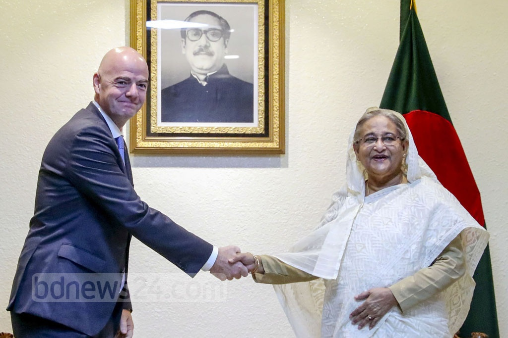Visiting FIFA President Gianni Infantino paid a courtesy call on Prime Minister Sheikh Hasina at the Ganabhaban in Dhaka on Thursday. Photo: Saiful Islam Kallol