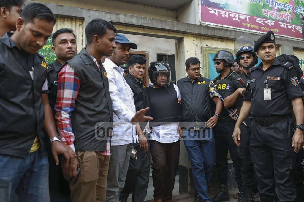 RAB arrested Dhaka South City Corporation Ward Councillor Moinul Haque Monju on charges of extortion on Thursday. Photo: Asif Mahmud Ove