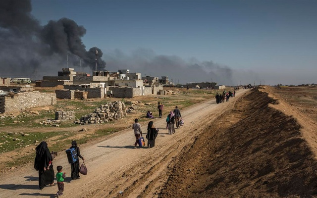 People fleeing territory held by the Islamic State group near Mosul, Iraq, March 7, 2017.