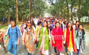 A group of teachers and students of Jahangirnagar University continue demonstrations demanding resignation of Vice-Chancellor Farzana Islam for alleged corruption on Wednesday after the authorities shut the institution down.