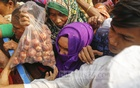 Soaring onion prices force many to twist their taste buds in Dhaka