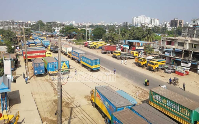 Goods stuck at Chattogram port as truckers, covered-van owners go on strike