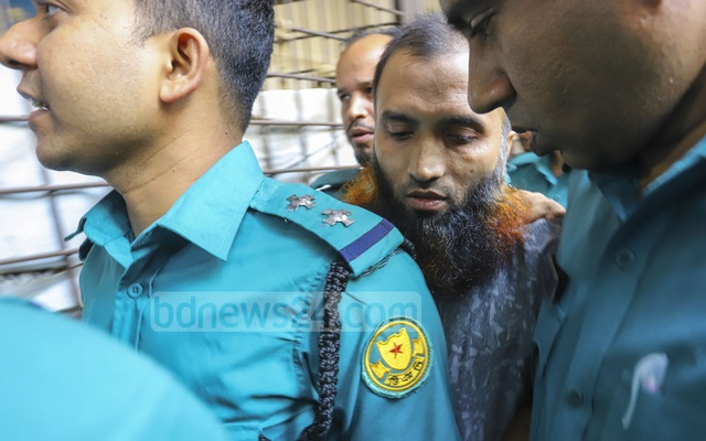 Jabale Nur Paribahan bus driver Masul Billah arrives in court ahead of the verdict in a case over a road crash that killed two college students in 2018. He was later jailed for life. Photo: Asif Mahmud Ove