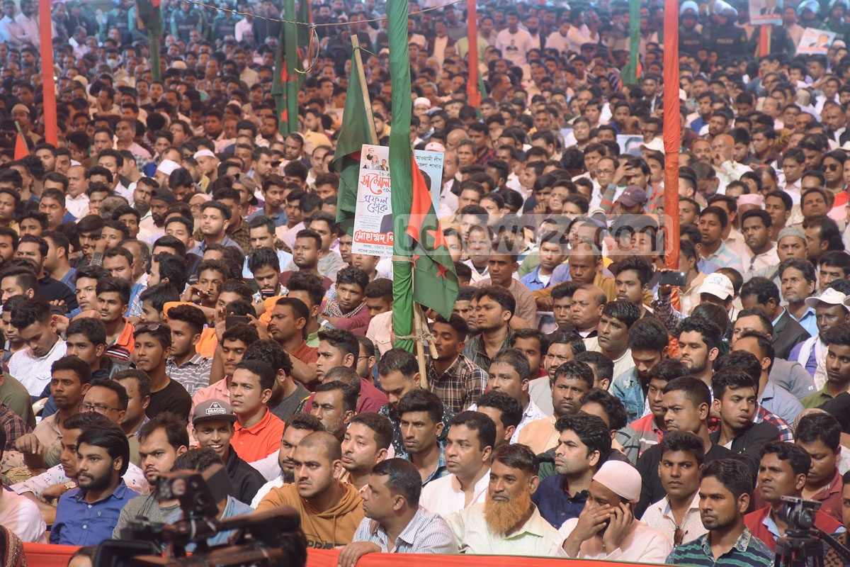 Awami League leaders and activists attend the party's Chattogram district north unit's council on Saturday. Photo: Suman Babu