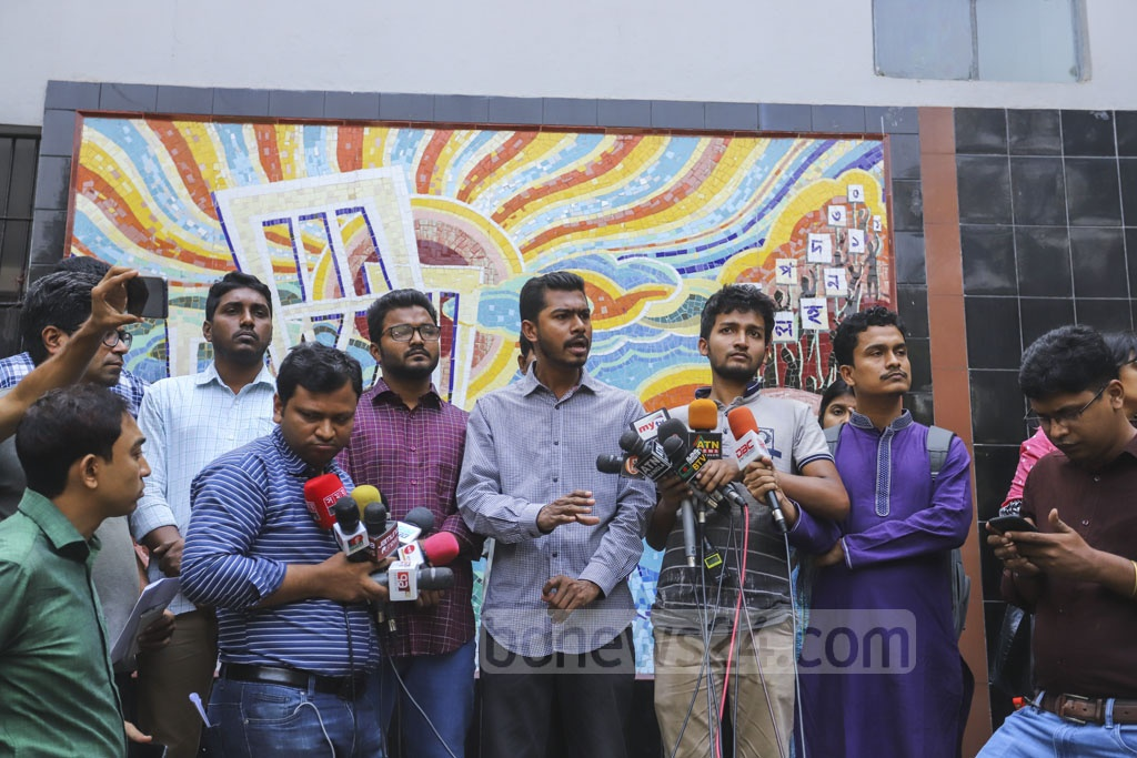 Dhaka University Central Students' Union Vice President Nurul Haque Nur gives his immediate reactions to the media over the allegation of corruption against him at the DUCSU office premises on Sunday. Photo: Asif Mahmud Ove