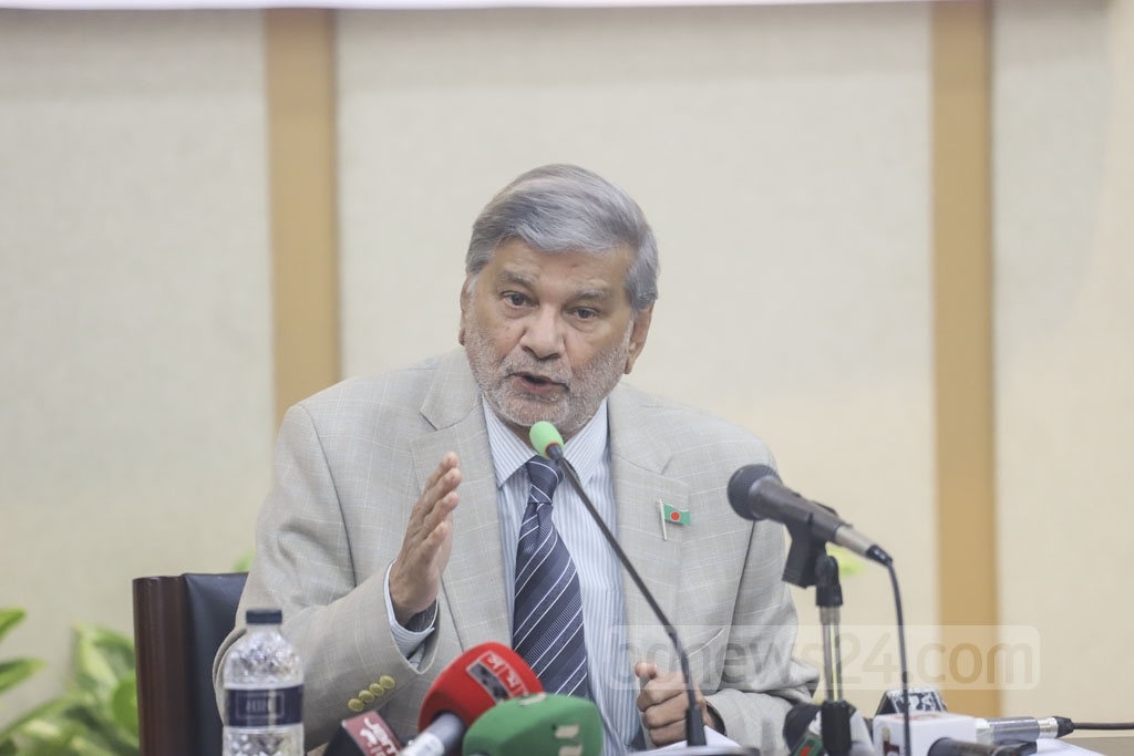 Planning Minister MA Mannan speaking at the release of the UNDP's Human Development Report-2019 in Dhaka on Wednesday. Photo: Asif Mahmud Ove