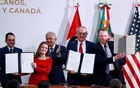 Canadian Deputy Prime Minister Chrystia Freeland, Mexican Deputy Foreign Minister for North America Jesus Seade, US Trade Representative Robert Lighthizer pose next to Mexico's President Andres Manuel Lopez Obrador and Mexico's Finance Minister Arturo Herrera during a meeting at the Presidential Palace, in Mexico City, Mexico Dec 10, 2019. REUTERS