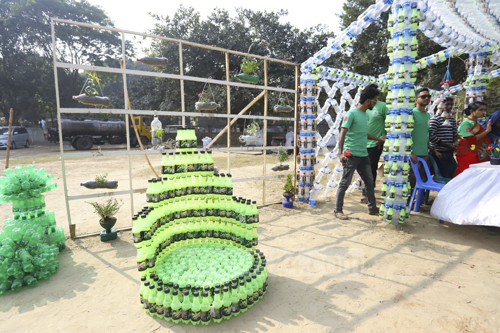 The exhibition aims to draw attention to the environmental threat posed by plastic bottles. The materials were later taken to a recycling plant. Photo: Asif Mahmud Ove