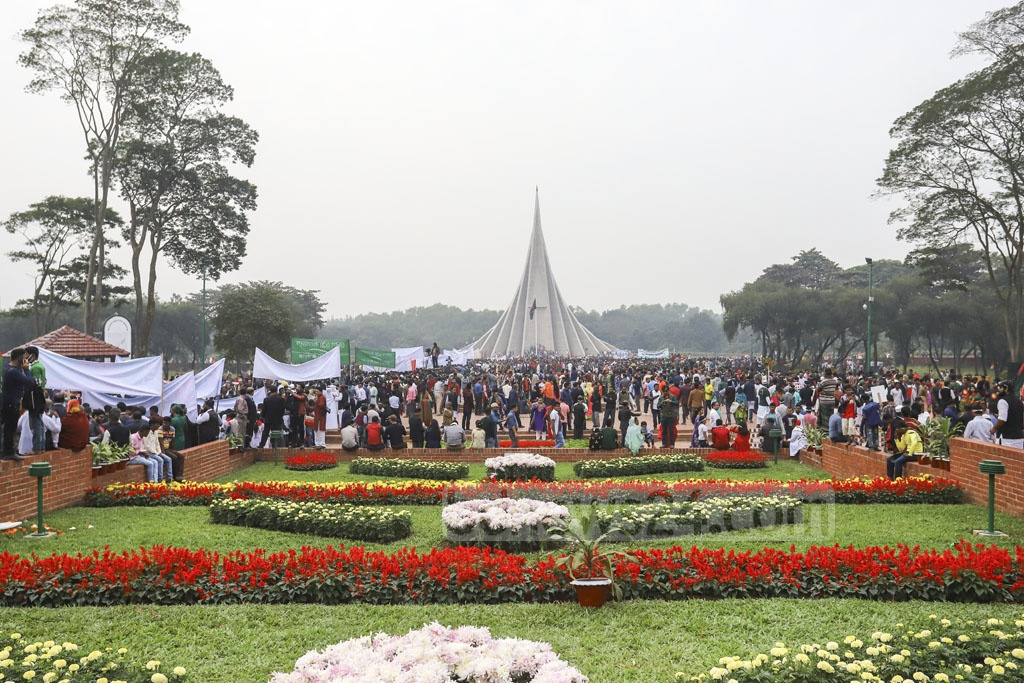 Thousands thronged the National Memorial on Monday to pay their respects to the freedom fighters on the Victory Day. Photo: Asif Mahmud Ove