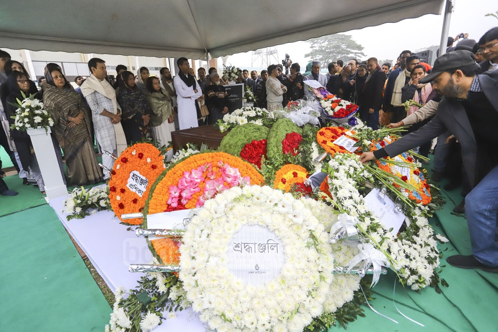People from all ages and walks of life and BRAC's staff paying their final tributes to Fazle Hasan Abed at the Dhaka's Army Stadium on Sunday.