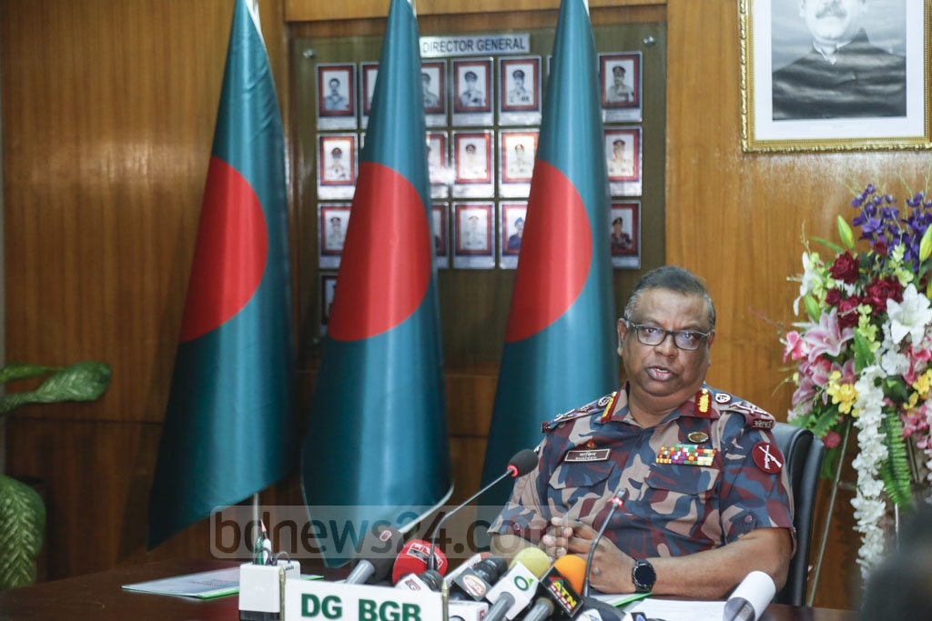Border Guard Bangladesh Director General Major General Shafeenul Islam briefing the media at the BGB's headquarters in Dhaka on Thursday about DG-level talks held with India' Border Security Force in New Delhi last month. Photo: Mahmud Zaman Ovi