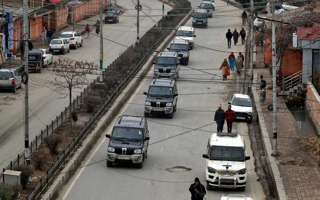 A convoy believed to be transferring foreign diplomats is seen in Srinagar, Jan 9, 2020. REUTERS