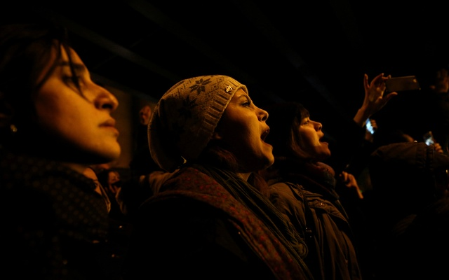 FILE PHOTO: A woman shouts slogans as she gathers with people to show their sympathy to the victims of the crash of the Boeing 737-800 plane, flight PS 752, in Tehran, Iran January 11, 2020. Nazanin Tabatabaee/WANA (West Asia News Agency) via REUTERS