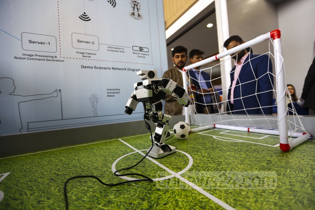 Robots' football game at a stall by Huawei is the top draw at the Digital Bangladesh Fair being held at the capital's Bangabandhu International Conference Centre in Agargaon. Photo: Mahmud Zaman Ovi