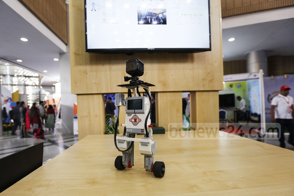 Different types of robots are being displayed at Digital Bangladesh Fair at the capital's Bangabandhu International Conference Centre in Agargaon. Photo: Mahmud Zaman Ovi