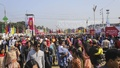 Visitors crowd the Dhaka International Trade Fair in the capital's Sher-e-Bangla Nagar on Friday. Photo: Asif Mahmud Ove