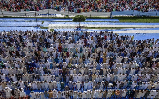 "FILE -- Eid Namaz prayers in Srinagar, the capital of the disputed Kashmir region of India, Aug. 12, 2019. Gen. Bipin Rawat, India's top military commander, set off shock waves by suggesting that Kashmiris could be shipped off to ""deradicalization camps"" in public remarks on Jan. 16, 2020. (Atul Loke/The New York Times).."