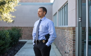 "Detective Sgt. Nick Ferrara of the Gainesville Police Department, who said he had used Clearview's app to identify dozens of suspects, in Gainesville, Fla., on Jan. 6, 2020. The little-known startup helps law enforcement match photos of unknown people to their online images — and ""might lead to a dystopian future or something,"" a backer says. (Charlotte Kesl/The New York Times)"